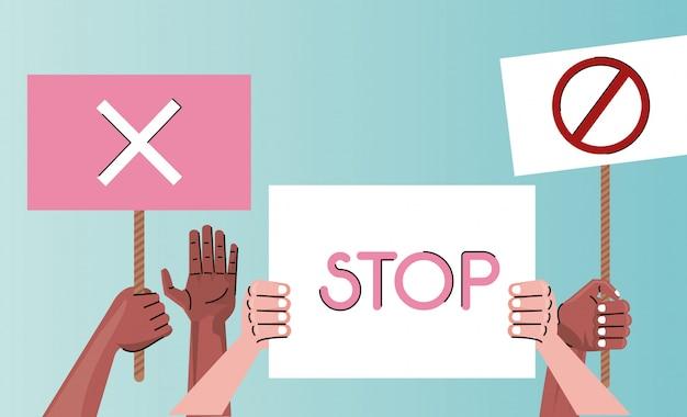 持ち上げるプラカードに抗議する人種の手