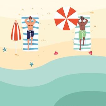 사회적 거리 연습 해변에서 interracial 남자