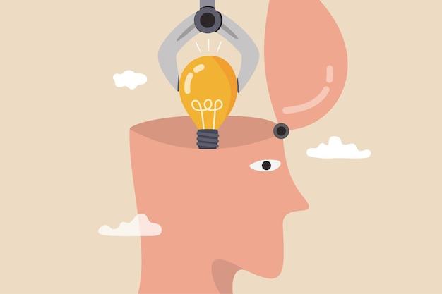 仕事の成功、創造性、想像力の概念を達成するための新しいアイデアやイノベーション、知識や新しいスキルを発明し、機械ロボットアームは新しいアイデアを発明する人間の頭の比喩に明るい電球のアイデアを置きます