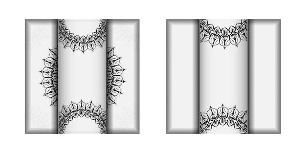 텍스트와 빈티지 패턴을 위한 공간이 있는 초대 카드 디자인. 엽서 디자인 만다라 장식이 있는 흰색 색상입니다.