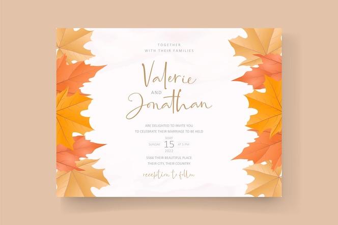 modello di invito con bellissime foglie autunnali