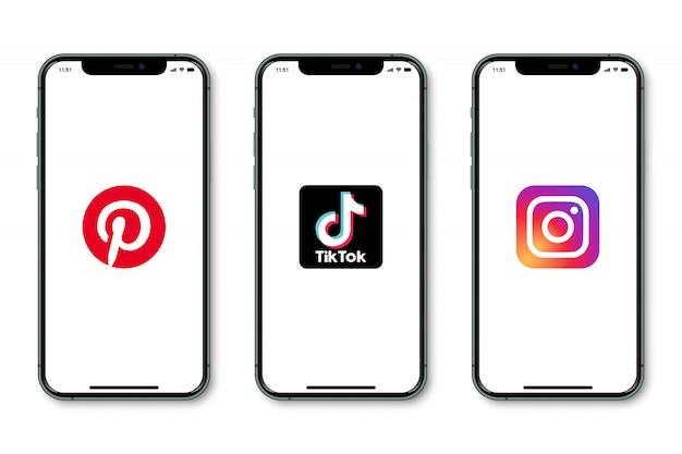 画面にソーシャルメディアのロゴが表示されたiphone