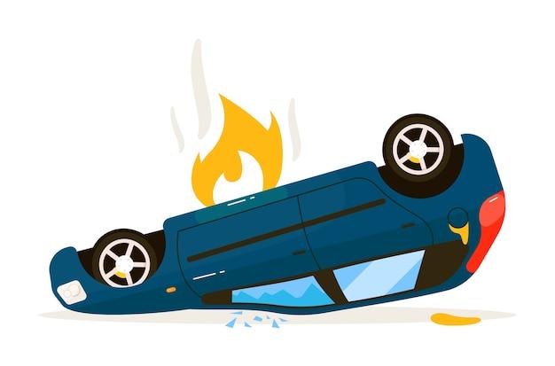危険な交通事故の後、孤立した車がひっくり返った