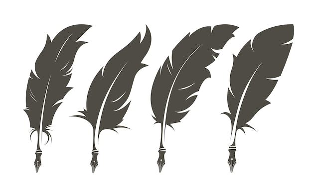 Изолированный набор старых перьев для письма.