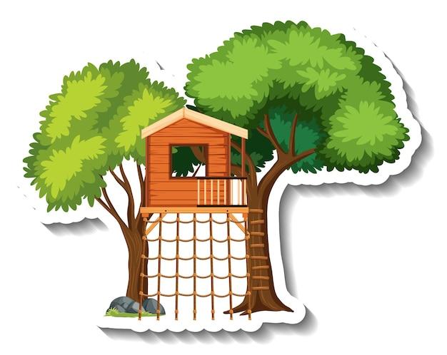등반 그물이 있는 고립된 나무 집