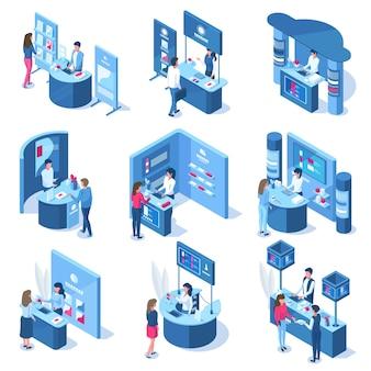 アイソメトリック3d展示デモンストレーションプロモーションは、労働者と訪問者を表しています。販促用スタンド、貿易パネルベクトルイラストセット。エキスポセンターデモンストレーションスタンド