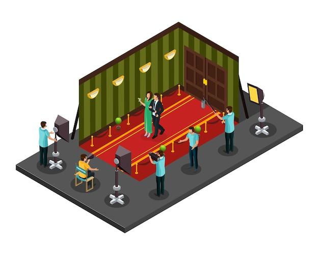 Изометрическая концепция кинопроизводства с профессиональными членами съемочной группы, снимающими фильм в студии