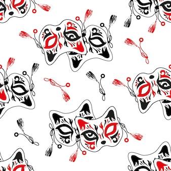 일본 키츠네 여우, 장식용 그림이 있는 마스크. 흰색 바탕에 완벽 한 패턴입니다.