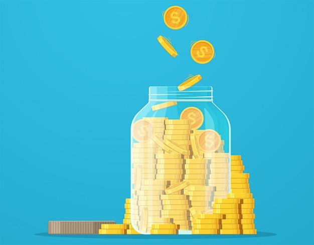 금화와 항아리. 달러 동전 절약, 돈 절약, 위기, 투자.