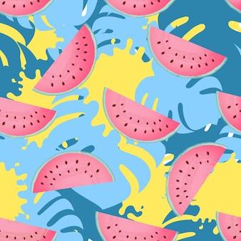 熟したスイカのジューシーなスライス。モンステラの葉とペンキはトロピカルなデザインを汚します。トレンディな夏の背景、壁紙、シームレスなパターン
