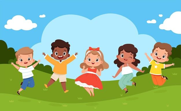 놀이터에서 점프하는 아이들. 화창한 날씨와 어린이 여름 캠핑의 행복한 그룹 놀이는 벡터 즐거운 휴가 배경을 이완시킵니다. 여름 유치원 야외, 놀이터 공원 그림