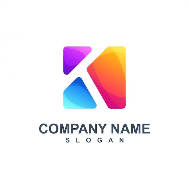 Красочный дизайн логотипа буквы k