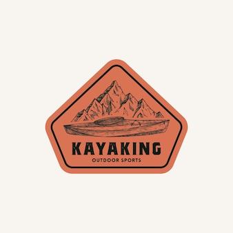 カヤックの抽象的なフレームサインシンボルまたはロゴテンプレート手描きのカヤックまたはカヌーボートと山々...