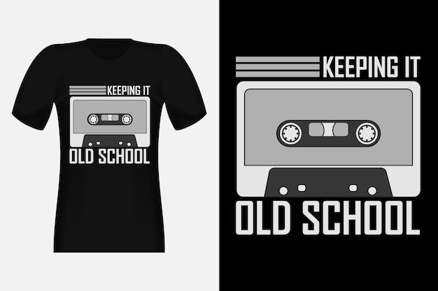 オールドスクールシルエットヴィンテージtシャツデザインを維持