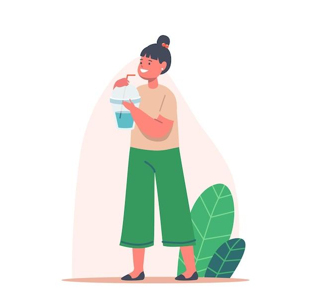Детский персонаж с чашкой и соломинкой, наслаждаясь свежим напитком, маленькая девочка, пьющая чистую воду, молоко или сок. летний напиток
