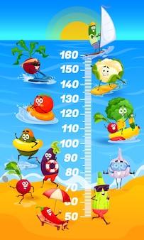 子供の身長チャート。ビーチ成長メーターの漫画野菜。幸せなベクトル野菜夏のレジャー、キャラクターブロッコリー、大根とナスとトマトのセーリング、海岸での日焼け、海で泳ぐ