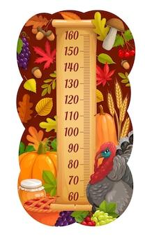 Диаграмма роста детей с индейкой благодарения, урожаем и осенними листьями. детский рост метр сантиметровая векторная шкала с грибами, тыквой и медом, пирогом, виноградом и колосьями пшеницы, дубовым желудем и листьями