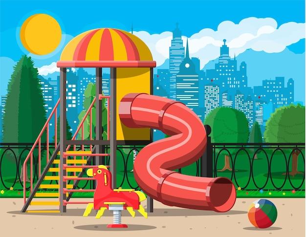 어린이 놀이터 유치원 파노라마입니다. 도시 어린이 놀이. 슬라이드 사다리, 스프링 위의 흔들 장난감, 슬라이드 튜브, 스윙 밸런서, 샌드박스. 도시 풍경. 벡터 일러스트 레이 션 평면 스타일