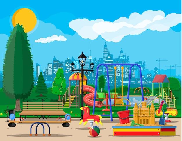 子供の遊び場幼稚園のパノラマ。
