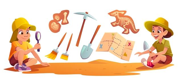 シャベルで土壌を掘る古生物学の発掘に取り組んでいる考古学者で遊ぶ子供たち