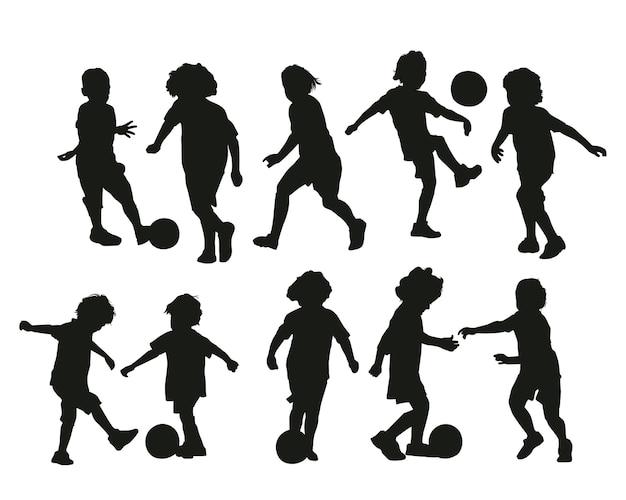 サッカーベクトルセットを遊んでいる子供たち