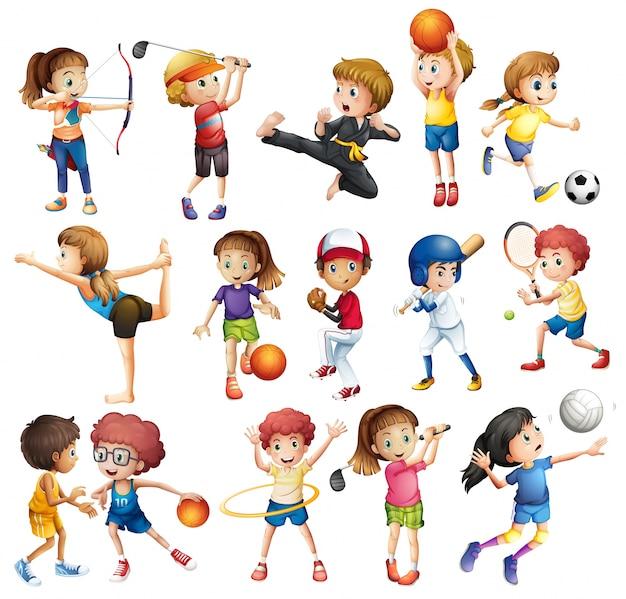 Дети, играющие в различные виды спорта на белом