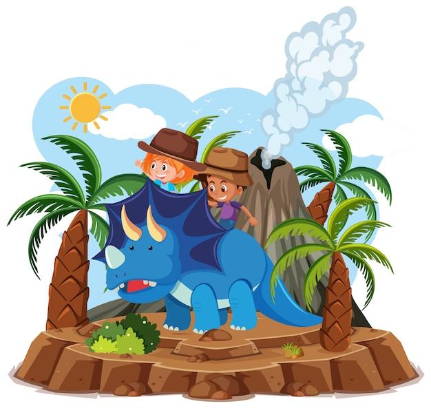 子供たちは白い背景で隔離の火山噴火でかわいい恐竜に乗る