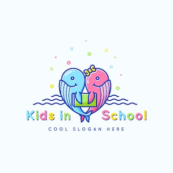 Детская школа, эмблема или шаблон логотипа. веселые смешные киты с книжной иллюстрацией. изолированные