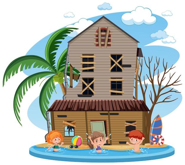 家の前の水で泳ぐ子供たち
