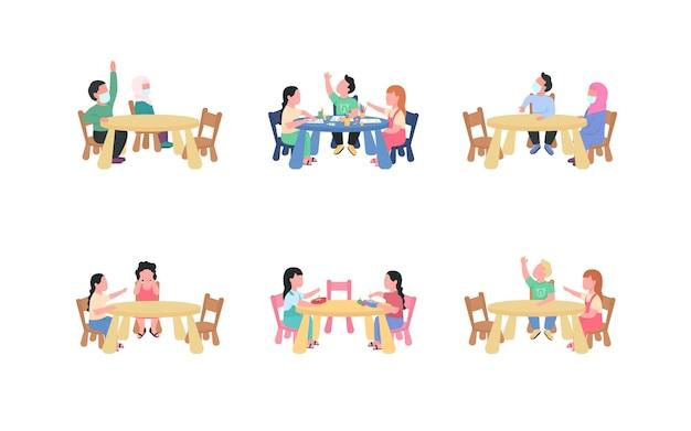 Детский сад дети, сидящие за столом, набор плоских цветных безликих персонажей