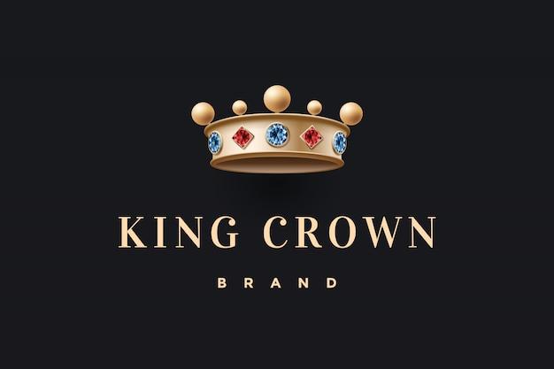 Логотип с золотой королевской короной и надписью king crown