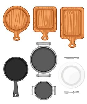 주방 용품 세트. 나무 커팅 보드, 팬, 프라이팬 및 화이트 세라믹 플레이트. 평면 그림 흰색 배경에 고립입니다.