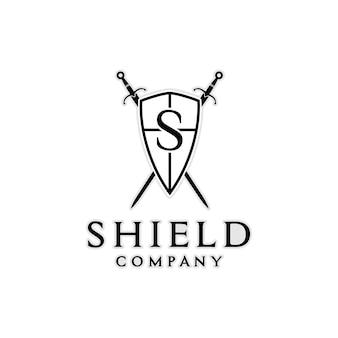 会社のロゴデザインのインスピレーションのためのナイトシールドアーマーソードの頭文字s