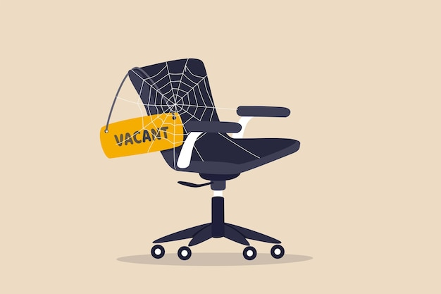 Нехватка рабочей силы, работнику не хватало квалифицированного персонала, чтобы заполнить вакансию, нужна помощь или концепция спроса на работу, офисное кресло со знаком вакансии покрыто метафорой нехватки рабочей силы паутиной.