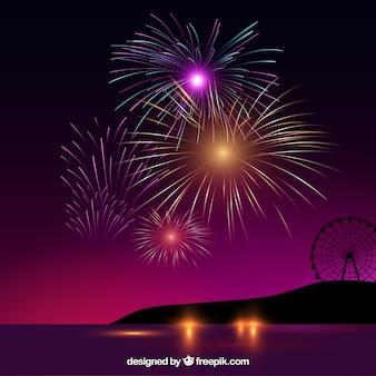 Paesaggio con bellissimi fuochi d'artificio