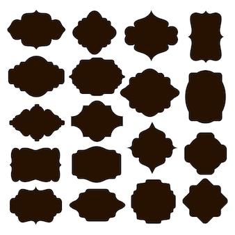 Ampio set di cornici o cartigli di sagoma nera vettoriale per badge in disegni e forme simmetriche curve e arrotondate classiche decorate