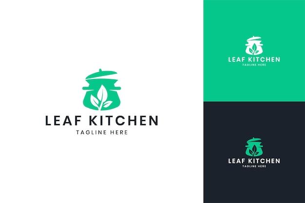 잎 부엌 부정적인 공간 로고 디자인