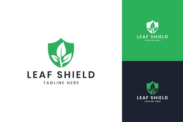 リーフシールドネガティブスペースのロゴデザイン