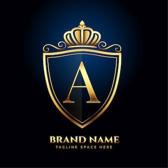 Буква a корона золотой логотип роскошный стиль концепции