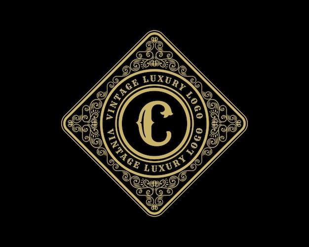 文字cアンティークレトロラグジュアリービクトリア朝の書道のロゴ