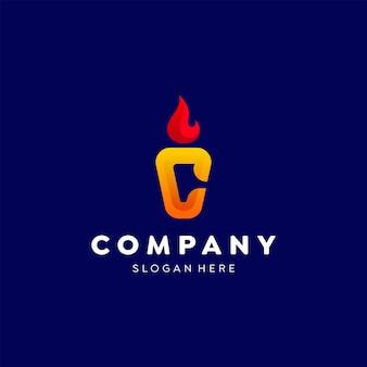 편지 c 화재 촛불 로고 화려한 그라데이션 템플릿 디자인