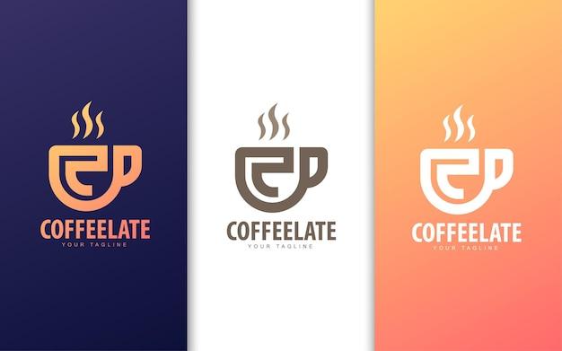 Буква c логотип в чашке кофе. концепция логотипа современной кофейни