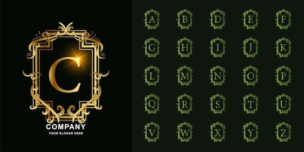 文字cまたは豪華な飾り花フレームゴールデンロゴテンプレートとコレクションの最初のアルファベット。