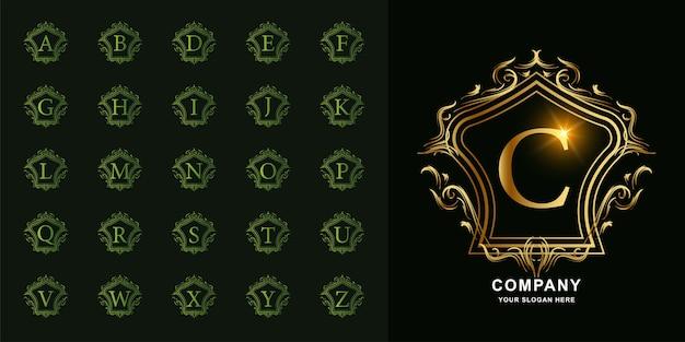 문자 c 또는 럭셔리 장식 꽃 프레임 황금 로고 템플릿 컬렉션 초기 알파벳.