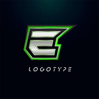 ビデオゲームのロゴとスーパーヒーローのモノグラムスポーツゲームのエンブレムの文字e大胆な未来的な文字