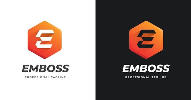 사각형 모양 스타일의 문자 e 로고 디자인 서식 파일