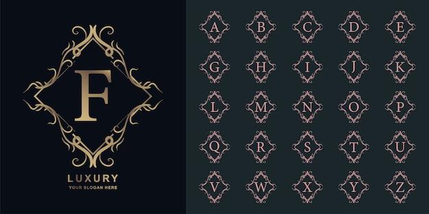 文字fまたは豪華な飾り花フレームゴールデンロゴテンプレートとコレクションの最初のアルファベット。