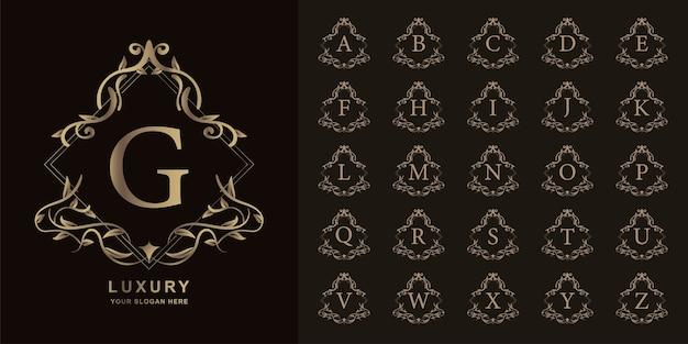 文字gまたは豪華な飾り花フレームゴールデンロゴテンプレートとコレクションの最初のアルファベット。