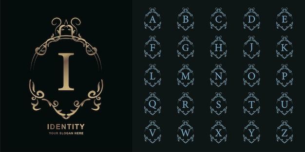 文字iまたは豪華な飾り花フレームゴールデンロゴテンプレートとコレクションの最初のアルファベット。