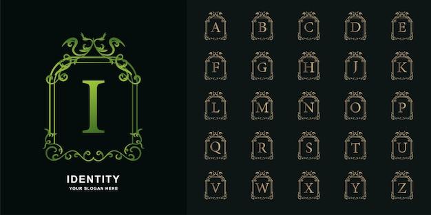 文字iまたはコレクションの最初のアルファベットと豪華な飾り花柄の金色のロゴテンプレート。
